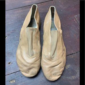 Women's 10 Tan Split Sole Slip On Jazz Boot Shoes